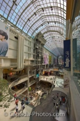 Shopping Eaton Centre Downtown Toronto