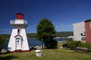 In the oldest part of Canada in the town of Annapolis Royal in Nova Scotia, stands an actively working wooden lighthouse dating back to 1889.