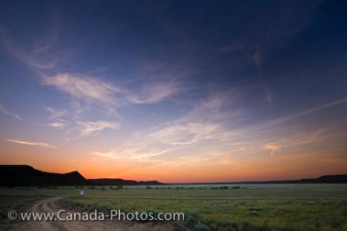 Photo: Badlands Sunset Farming Landscape Southern Saskatchewan