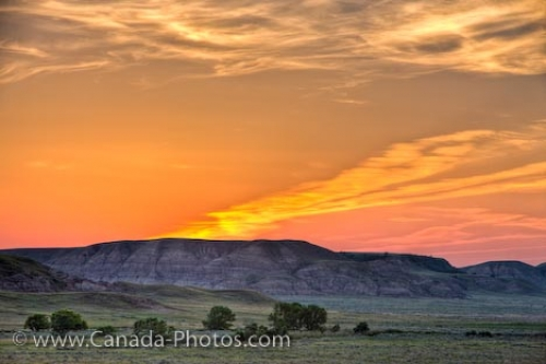 Photo: Big Muddy Badlands Sunset Farm Landscape Saskatchewan