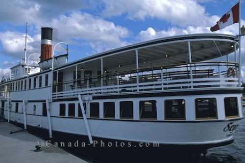 Photo: Boat Cruises Muskoka Ontario