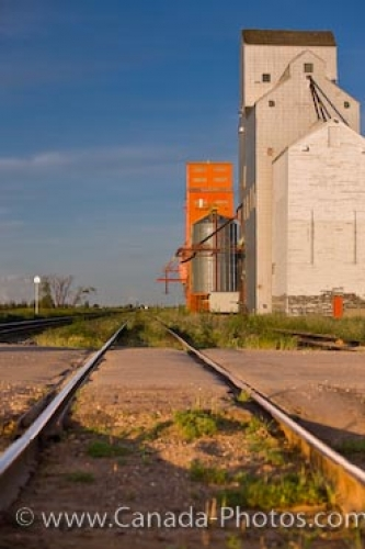 Photo: Canadian Pacific Railway Tracks Grain Elevators Morse Saskatchewan