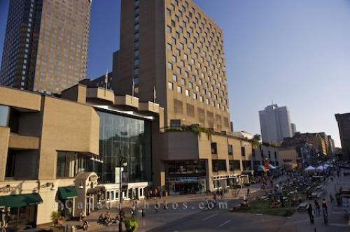 Photo: Complexe Desjardins Shopping Montreal Quebec