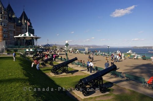 Dufferin terrace cannon guns old quebec photo travel for Terrace 45 qc