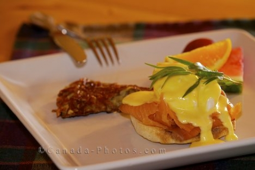 http://www.canada-photos.com/images/500/eggs-benedict_1357-1326.jpg