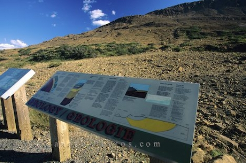 Photo: Gros Morne Geology Sign