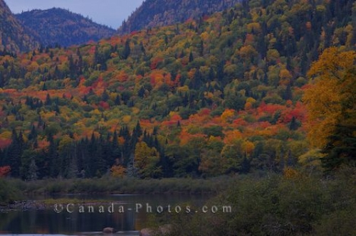 Photo: Jacques Cartier River Fall Sunset Quebec Canada