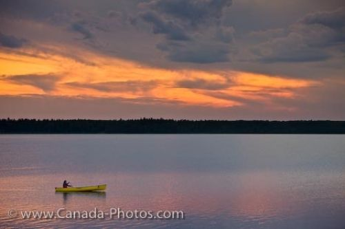 Photo: Lake Audy Canoeing Sunset Scenery Manitoba Canada