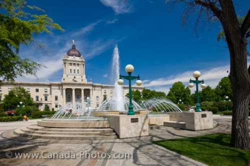 Photo: Legislative Building Manitoba Plaza Fountain Winnipeg City
