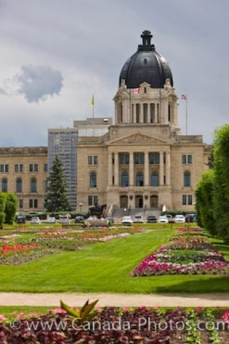 Photo: Legislative Building Queen Elizabeth II Gardens Regina