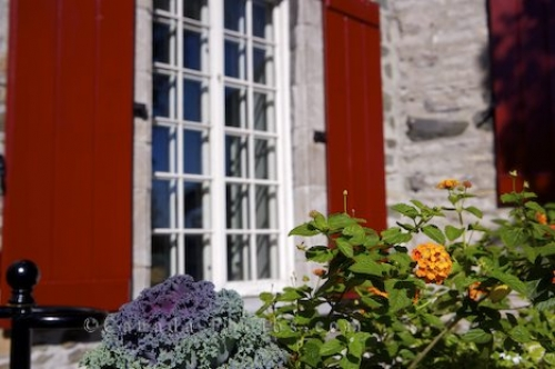 Photo: Maison Chevalier Window Marche Champlain Quebec City