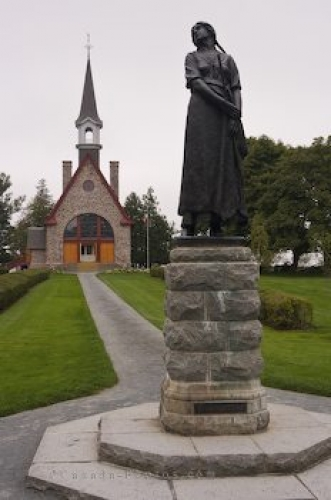 Photo: Historical Memorial Church Statue Grand Pre Nova Scotia