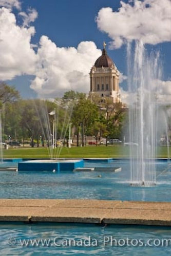 Photo: Memorial Park Fountain Legislative Building Winnipeg City
