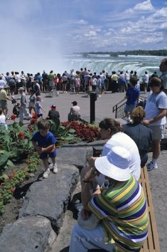 Photo: Niagara Falls Travel