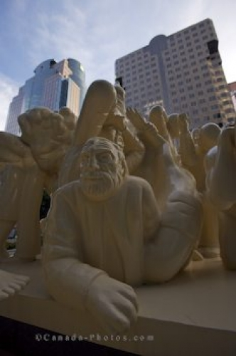 Photo: People Statue Downtown Montreal