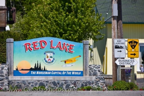 Photo: Red Lake Welcome Sign Norseman Capital Ontario