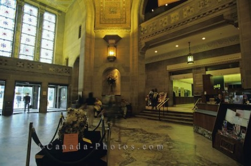 Photo: Royal Ontario Museum Lobby Toronto
