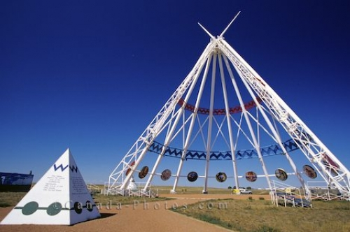 Photo: Saamis Teepee Medicine Hat