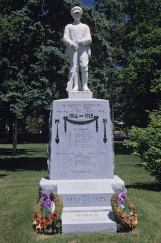Photo: War Memorial Elmira