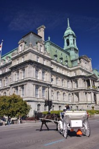 Photo: Sightseeing Montreal City Hall Quebec Canada