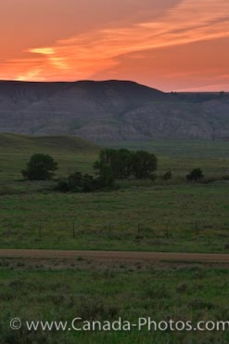 Photo: Southern Saskatchewan Farmland Sunset Big Muddy Badlands