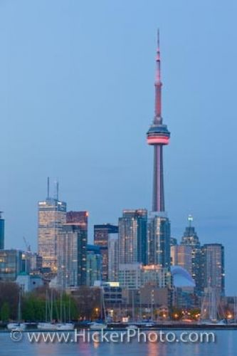 Photo: Toronto City Dusk Skyline Ontario Canada