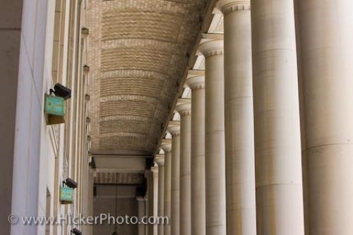 Photo: Architectural Columns Toronto Union Station Entrance