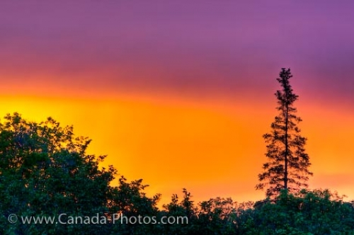 Photo: Vibrant Sunset Colors Winnipeg City Manitoba