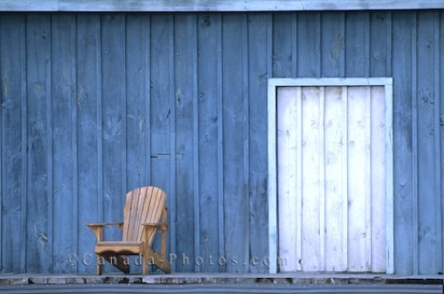 Photo: Wooden Chair Gravenhurst Ontario