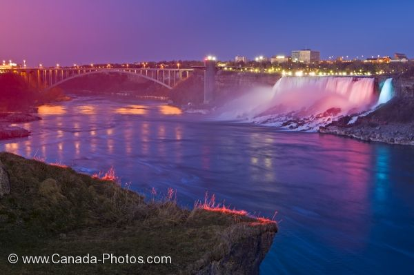 Photo: American Falls Nightly Illumination New York State USA