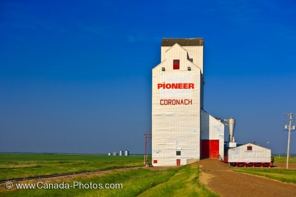 Photo: Agricultural Grain Elevator Coronach