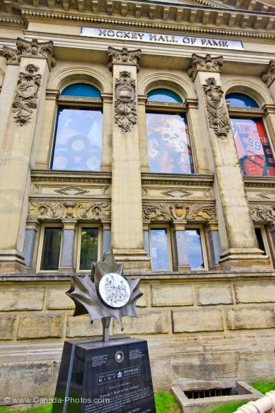 Photo: Royal Canadian Mint's 1997 Silver Dollar Hockey Hall of Fame Building Toronto