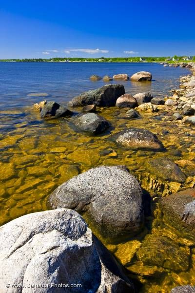 Photo: Lake Winnipeg Rocky Shoreline Hecla Island