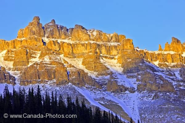 Photo: Scenic Dolomite Peak Mountain Peaks Rocky Mountains Banff