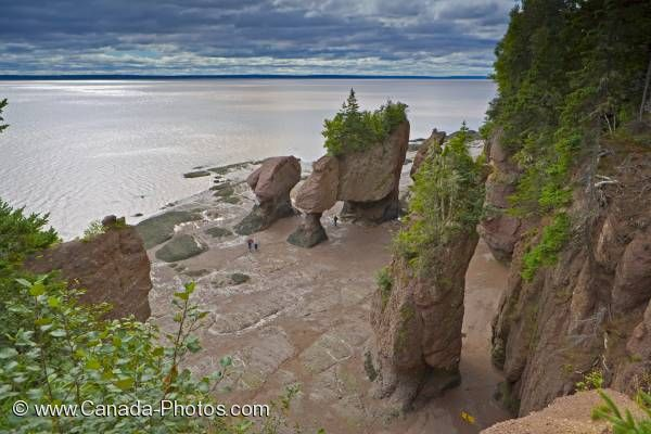 Photo: New Brunswick Flowerpot Rocks