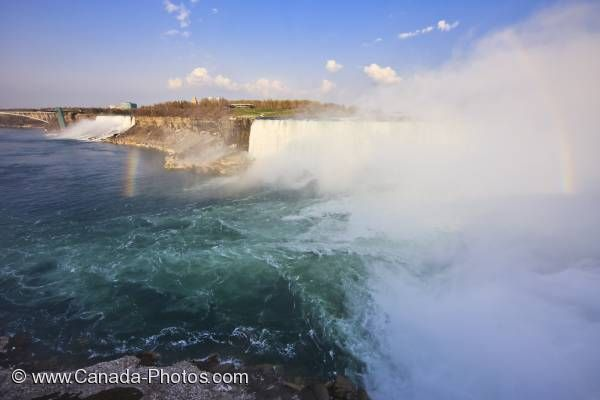 Photo: Niagara River Horseshoe Falls Mist