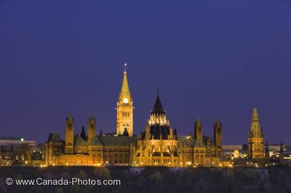 Photo: Parliament Hill Dusk Lighting Ottawa City Ontario Canada