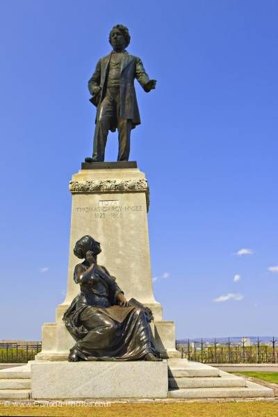 Photo: Statue Thomas D'Arcy McGee Parliament Hill City of Ottawa Ontario Canada
