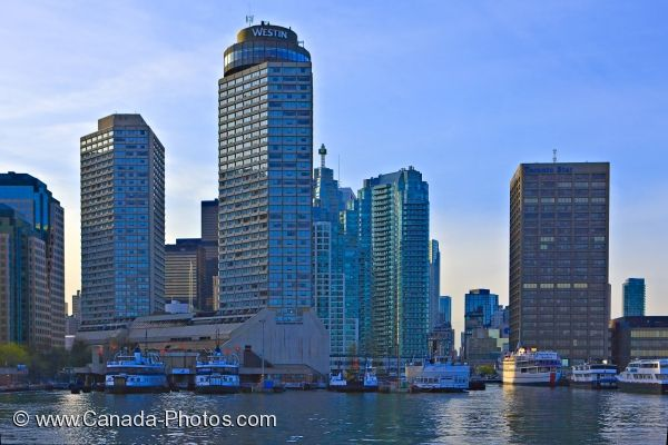 Photo: Toronto City Skyline Ferry Terminal Ontario Canada