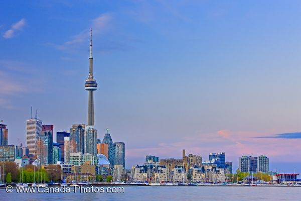 Photo: Toronto City Sunset Skyline Ontario Place
